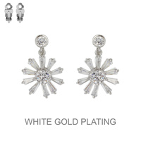 SILVER CUBIC WHITE GOLD PLATING FLOWER CLIP EARRING