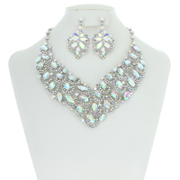 ROYAL ELEGANCE STONE NECKLACE SET