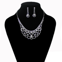 Rhinestone Web With Pearls Necklace And Earrings Set Nem1617Swh