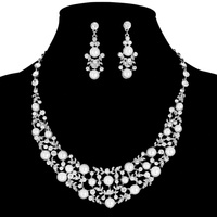 PEARL CLUSTER COLLAR NECKLACE AND EARRINGS SET