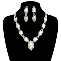 OVAL PEARL AND GEMS NECKLACE SET