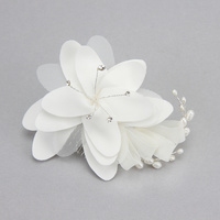 BRIDAL FLOWER HAIR COMB W/ PEARLS / RHINESTONES