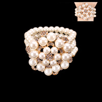 PEARL RHINESTONE STRETCH BRACELET W/GEMS CENTER