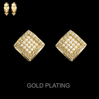 GOLD CUBIC GOLD PLATING RHOMBUS WITH PEARLS CLIP EARRIN