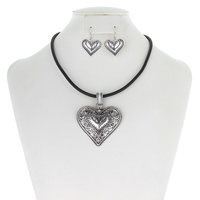 "Western Theme 17""+3 Necklace Set - Heart"