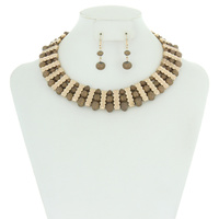 GLASS BEAD AND METAL NECKLACE SET