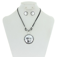 "Tailored Look w/Hammered 18+3"" Necklace Set"