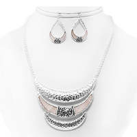 TAYLORED LOOK 3 TIER METAL NECKLACE SET