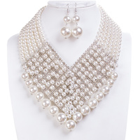FANCY PEARL N RHINESTONE NECKLACE