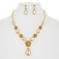 FLOWER DROP STONE NECKLACE SET