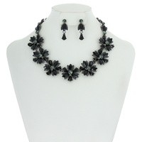MARQUISE STONE FLOWER NECKLACE SET