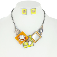 FASHION MABLE PATTERN METAL STATEMENT NECKLACE AND EARRINGS SET